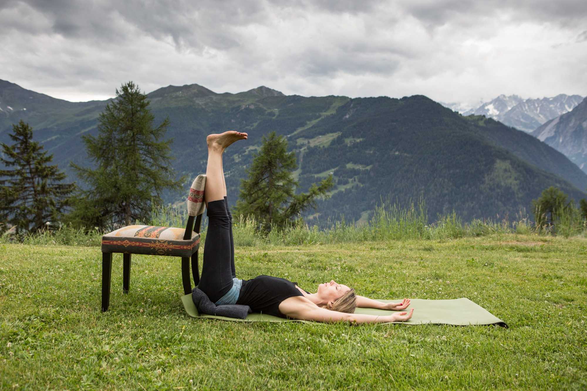 10 Inverted Lake posture (Hands above head)